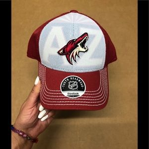 K 💨Reebok Arizona Coyotes red hat youth NWT